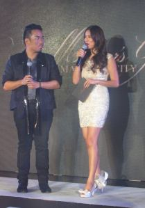 Hosts Angel Aquino and Brian Tenorio were both raised in Marikina City. Angel Aquino is wearing the Archangel Bows shoes by Brian Tenorio.